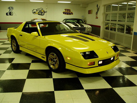 1986 Chevrolet Camaro Z28 / IROC-Z – current bid $8,100