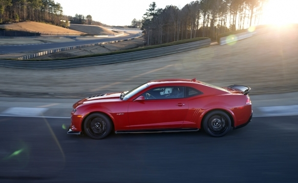 28 Ways the Camaro Z/28 Rules the Road Course – February 18, 2014
