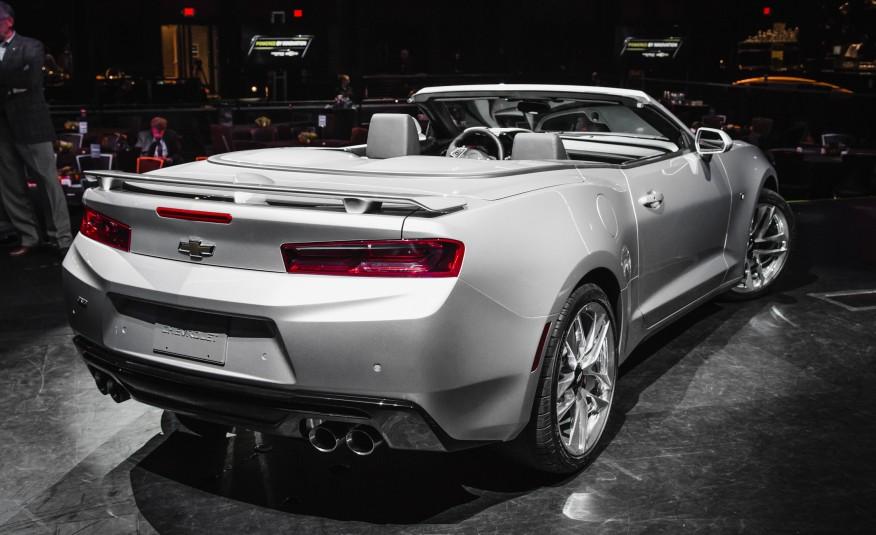 2016-Chevrolet-Camaro-Convertible-5