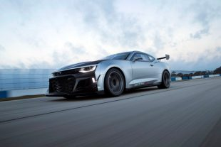 Chevrolet Camaro GT4.R is Ready to Race – Motor Trend
