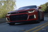 2017 Chevrolet Camaro ZL1 – MotorTrend Video